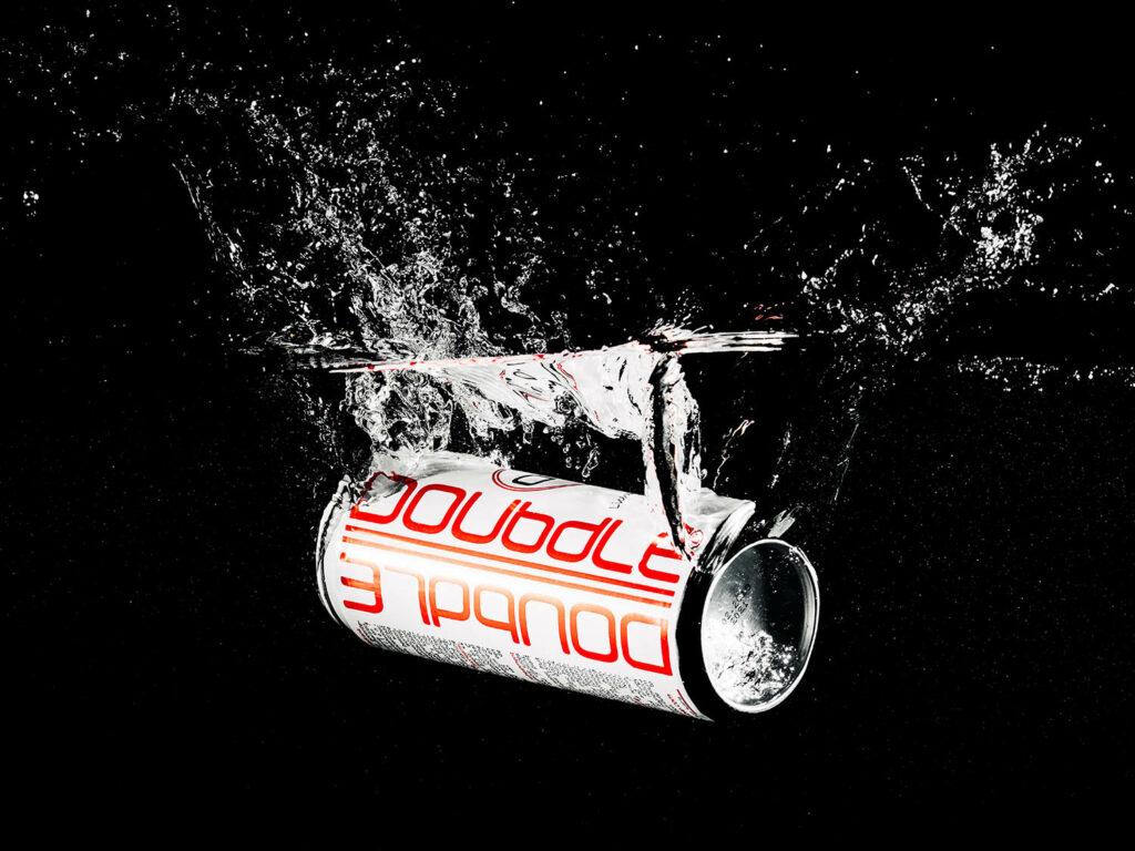 campagnebeeld Doubdle blik in water