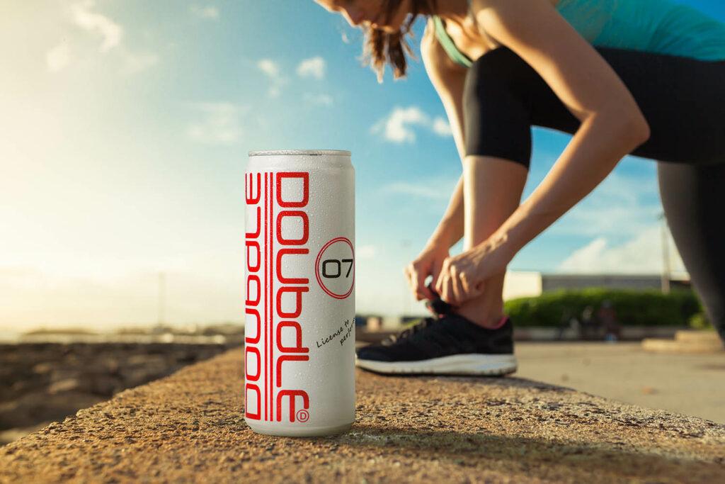Campagnebeeld sport Doubdle blik met atleer op achtergrond